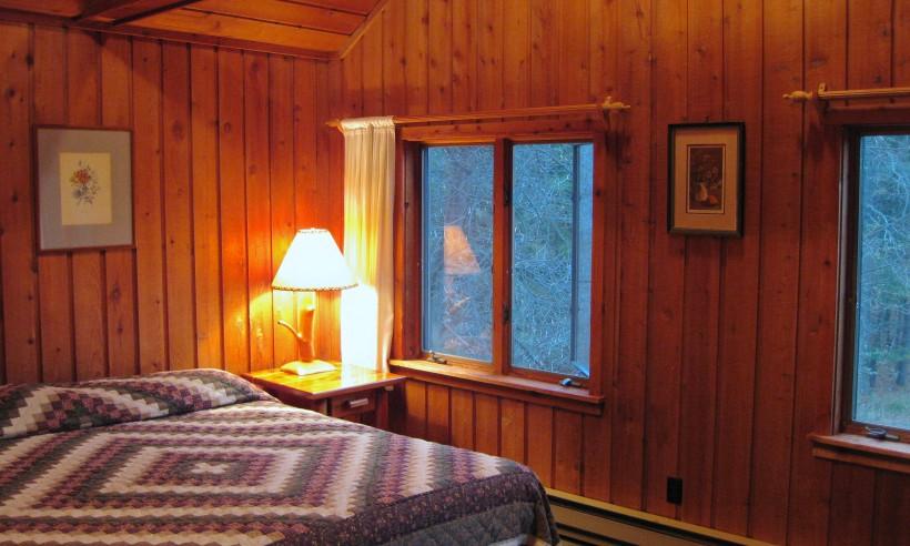 IMG 2935  IMG 2943  IMG 2945  log cabin bedroom king. Log Cabin   Barothy Lodge
